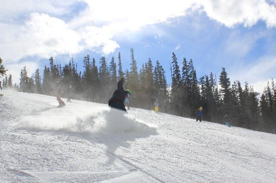 Norski Sport Rental : Great early season skiing!