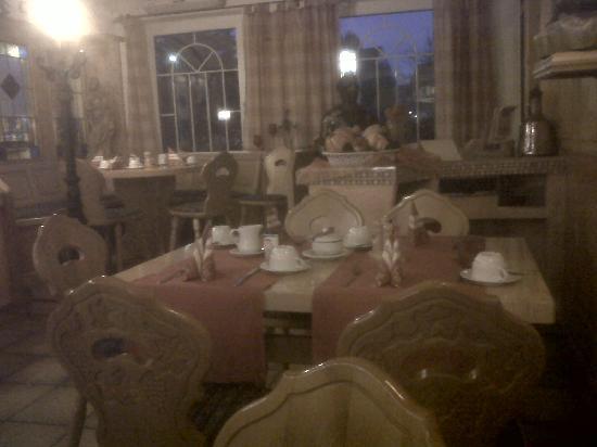 Hotel Pirsch : and more breakfast