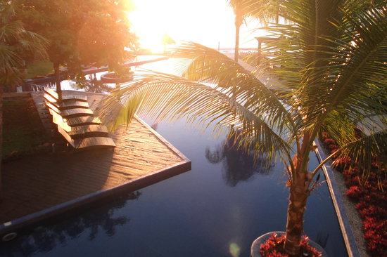 Le Reve Hotel & Spa : Always an amazing sunset