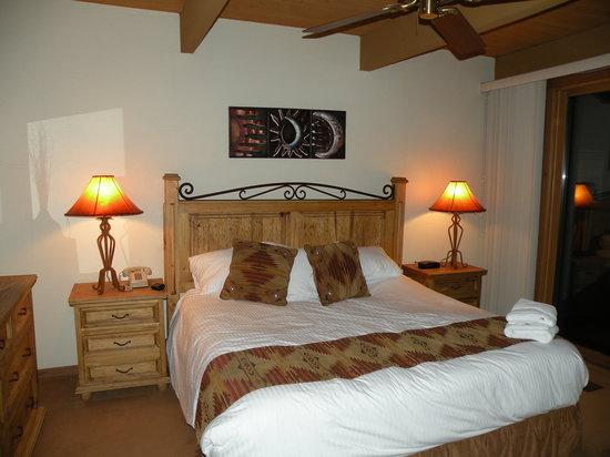 Junipine Resort: bedroom - unit #30