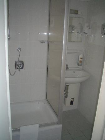 Hotel Spreewitz: Baño