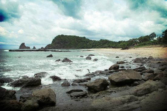 Buena Vista Surf Club: Playa Majagual, a short hike north of Maderas