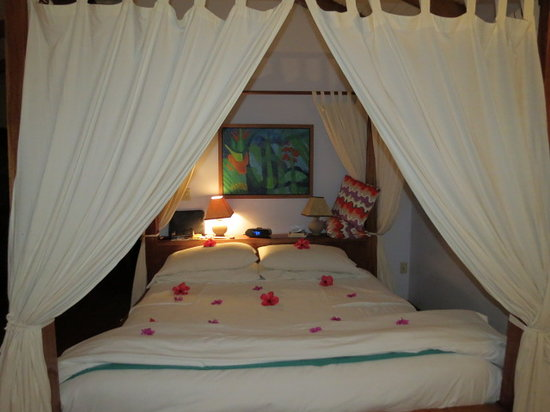 Hamanasi Adventure and Dive Resort: The beautiful floral turndown on our wedding nights.