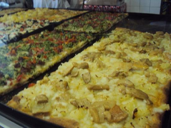 Albergo Giusti: pIZZA EN LUCCUMA A UNA CUADRA
