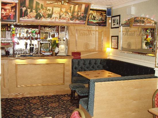 Hotel Libra: bar lounge