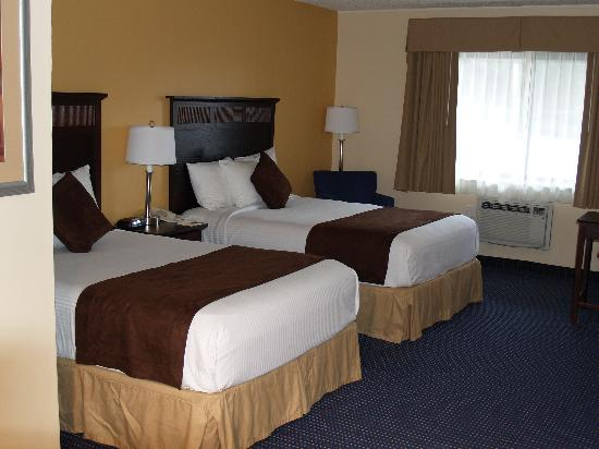 Garden Plaza Hotel: 2 DOUBLE BED ROOM