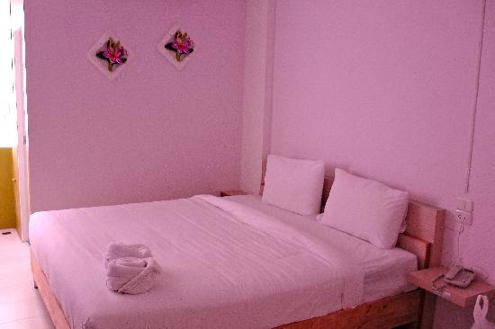 Photo of Kriss Residence Bangkok