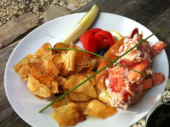 The Ramp Bar and Grill: lobster roll so yummy