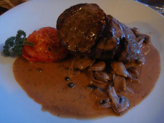 Olde Bakery Restaurant & Bar : Main course (beef)