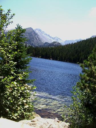 Bear Lake Trailhead: VISTA-A-A-H !
