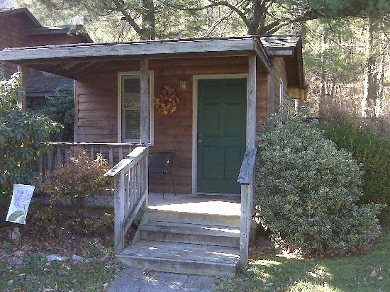 The Cabins at Brookside : Cabin 4