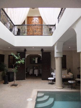 Riad Al Badia: The entrance area