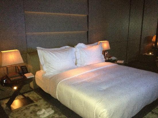 Armani Hotel Milano: bedroom