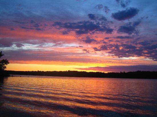 Telemark Resort: sunset on the lake