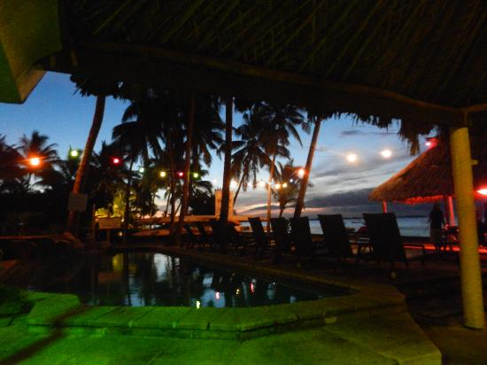 Travellers Beach Resort: a night shot from the alfresco area