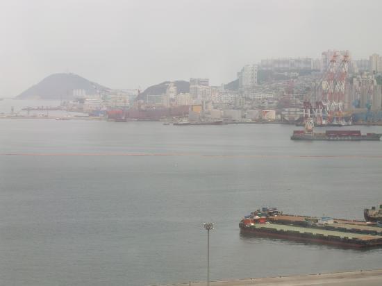 โตโยโกอินน์ปูซาน No.1: 客室からの釜山港