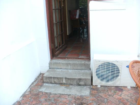 Orange-Ville Guesthouse: Eingang Premium Doppelzimmer Buffalo