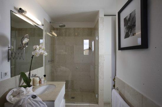 Tornabuoni Suites Collection: Palazzo Vecchio Suite bathroom