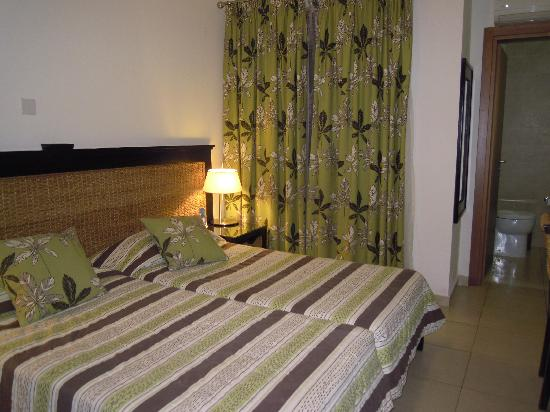 Rocca Nettuno suites: camera matrimoniale suite