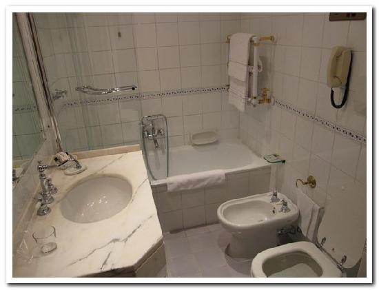 Classic Old School Luxury Bathroom Picture Of Grand Hotel Bastiani Grosseto Tripadvisor