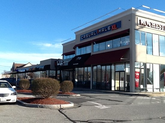 Ten-Ichi Dynamic Kitchen and Bar : Ten-Ichi is 2nd from the right end on Rte. 9 E, at the Natick town line.