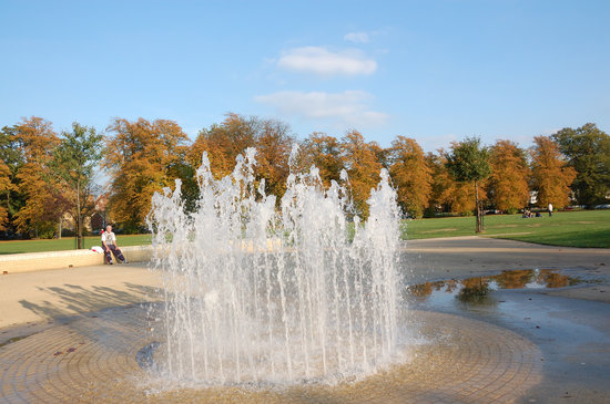 Gloucester, UK: 子供たちに人気の噴水