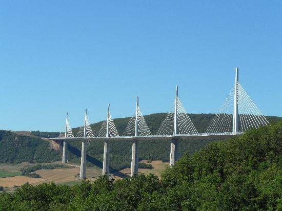 Viaduc de Millau : view on the bridge/viaduct de Millau
