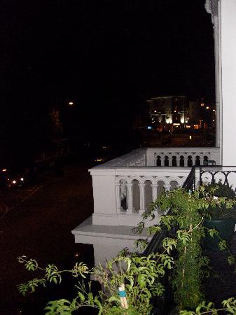 โรงแรมโรดส์: Vista dal terrazzino di Sussex Place