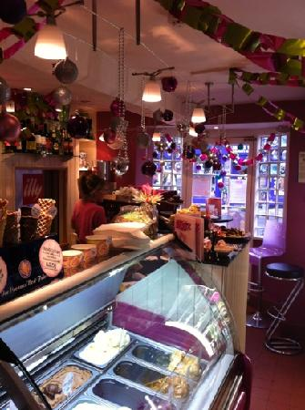Naughty & Nice Cafe Bistro Ice Cream Parlour Chocolatier: Come for Christmas