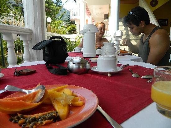 Pousada Casablanca: Breakfeast