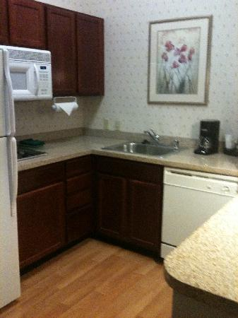 Homewood Suites Dallas - DFW Airport N - Grapevine: Kitchen, nice granite tops!