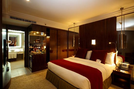 Crowne Plaza Riyadh Minhal: Crowne suite  Bedroom