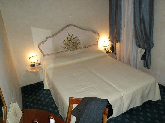 Hotel ai due Fanali : room 102