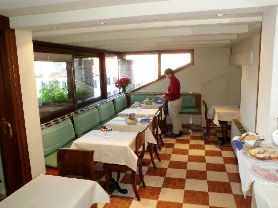 Hotel ai due Fanali : breakfast room