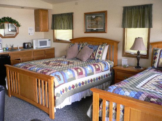 Bears Den B&B and Lodging