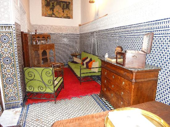 Riad Boujloud: Living room
