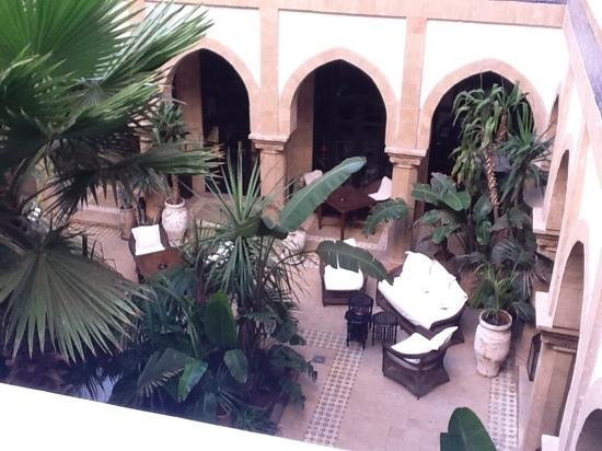 L'Heure Bleue Palais : courtyard
