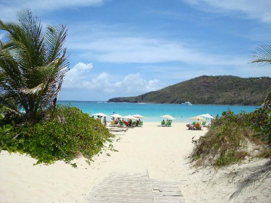 Flamenco Beach: Coming into the beach