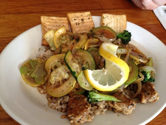 Whole In the Wall: stirfry with tofu and tempeh