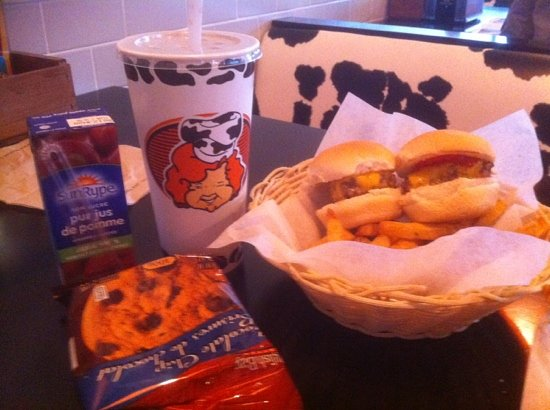 Vera's Burger Shack: kid's meal - sliders