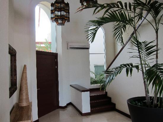 فالارتا جاردنز ريزورت آند سبا: Main entrance- Palma Azul