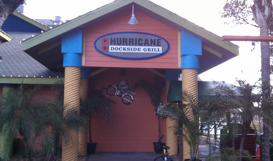 Hurricane Grill & Wings: Front