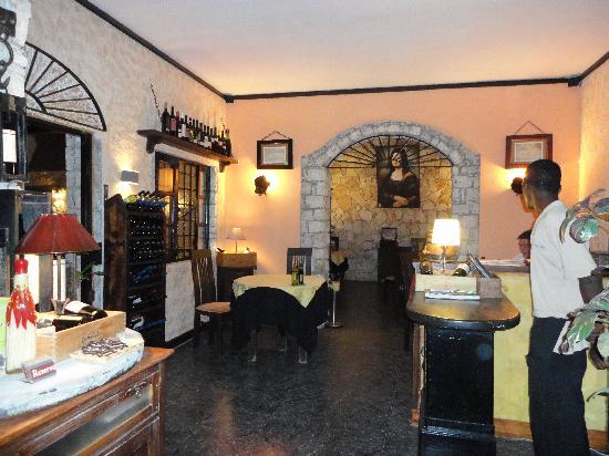 Leonardo Cafe Italian Restaurant: Good food extremely clean.