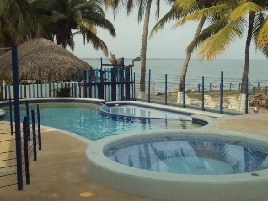 Hotel PortoAlegre Covenas: Piscina
