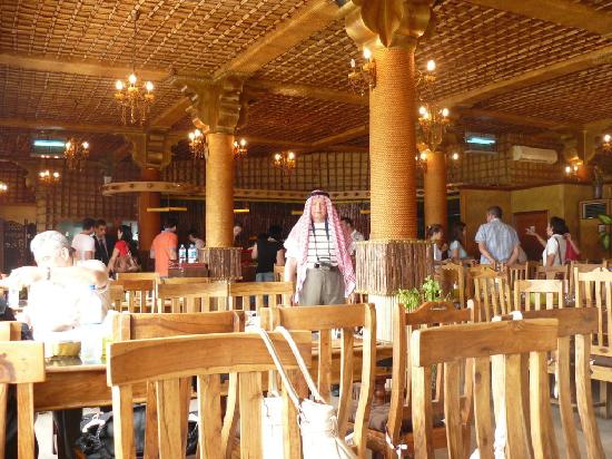 Heritage village abu dhabi the local arab restaurant for Ristorante cipriani abu dhabi