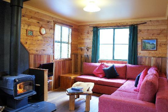 Cradle Mountain Highlanders Cottages: Stringybark two bedroom cabin