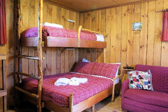 Cradle Mountain Highlanders Cottages: Experience our rustic Bushmans Hut