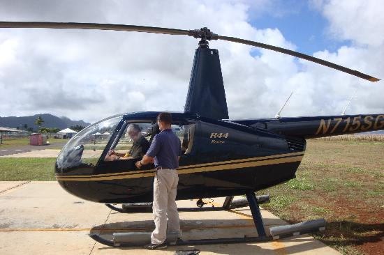 robinson r44 helicopter photo de mauna loa helicopter tours lihue tripadvisor. Black Bedroom Furniture Sets. Home Design Ideas