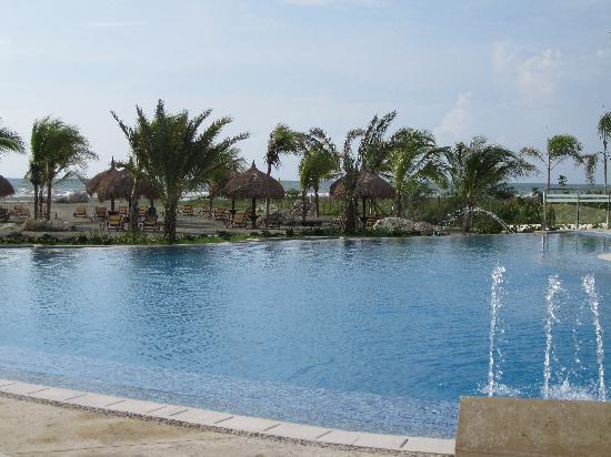 Estelar Grand Playa Manzanillo by Occidental Hotels & Resorts: La piscine
