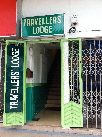 Travellers Lodge: ゲストハウスの入り口